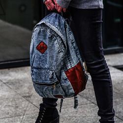plecak jeansowy