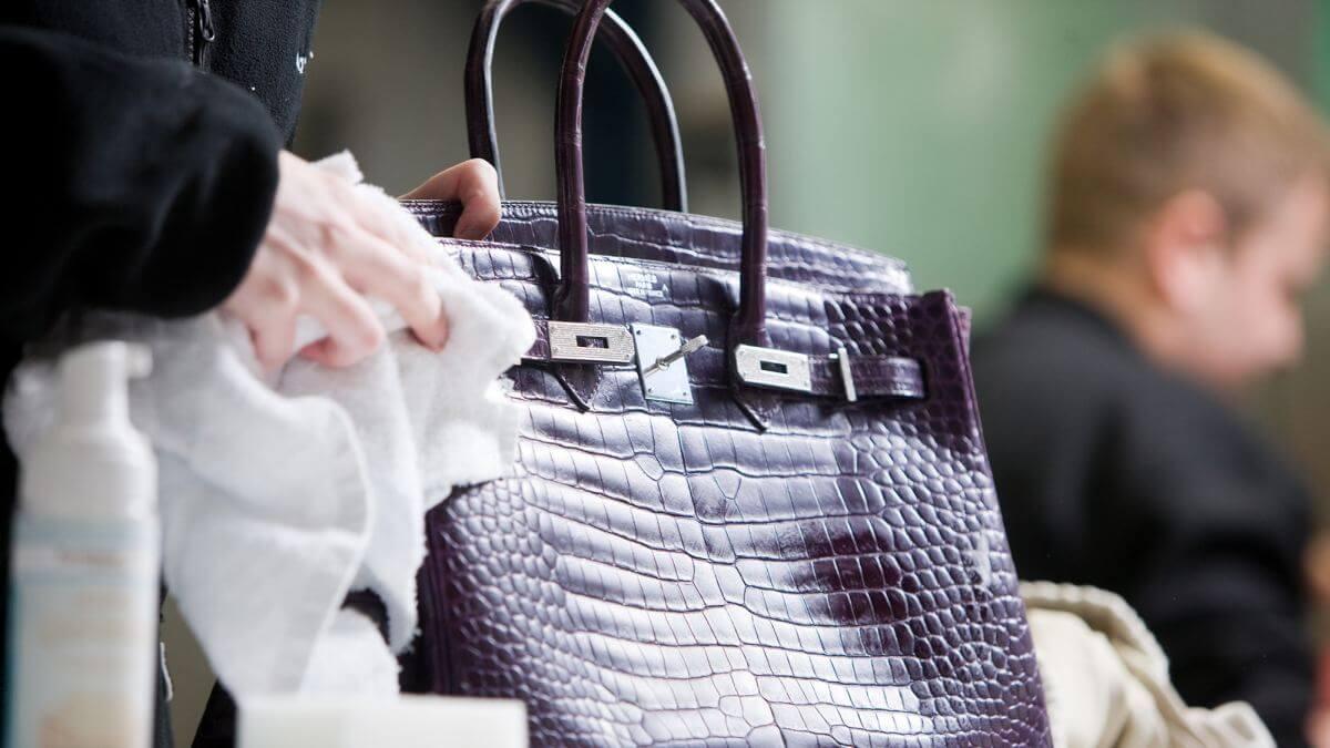 Czyszczenie skórzanej torebki