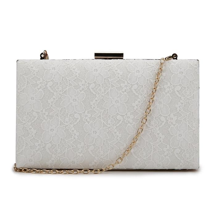 82d494e0b58fa ... Biała torebka kopertówka z koronką Bell